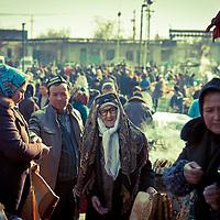 Uyghurs walk in the Bazar in Korla, Xinjiang, in the far western Xinjiang province, China, on   February. 15, 2010.<br />  (Photo by Bernardo De Niz)