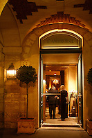 l'Ambroisie, Chef Bernard Pacaud, Place des Vosges, Paris....l'Ambroisie is a Michelin three star restaurant..............................