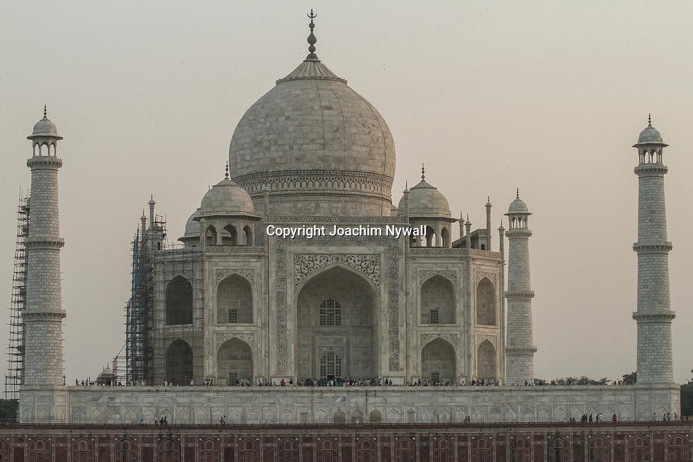 Agra 2016 10 20 Uttar Pradesh<br /> Grav monumentet Taj Mahal uppf&ouml;rt av Shah Jahan<br /> sett fr&aring;n baksidan fr&aring;n andra sidan av floden Yamuna eller Jamuna<br /> <br /> <br /> ----<br /> FOTO : JOACHIM NYWALL KOD 0708840825_1<br /> COPYRIGHT JOACHIM NYWALL<br /> <br /> ***BETALBILD***<br /> Redovisas till <br /> NYWALL MEDIA AB<br /> Strandgatan 30<br /> 461 31 Trollh&auml;ttan<br /> Prislista enl BLF , om inget annat avtalas.