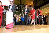26 OCT 2019, BERLIN/GERMANY:<br /> Malu Dreyer, SPD, Ministerpraesidentin Rheinland-Pfalz, Dietmar Nietan, SPD Schatzmeister, Olaf Scholz, SPD, Bundesfinanzminister, Klara Geywitz, SPD Brandenburg, Norbert Walter-Borjans (verdeckt), SPD, Landesminister a.D., Saskia Esken, MdB, SPD,  (v.L.n.R.), wahrend der bekanntgabe der SPD-Mitgliederbefragung  zur Wahl des neuen Parteivorsitzes, Willy-Brandt-Haus<br /> IMAGE: 20191026-01-034<br /> KEYWORDS: Verkündung, Verkuendung