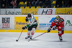 10.02.2018, Ice Rink, Znojmo, CZE, EBEL, HC Orli Znojmo vs Moser Medical Graz 99ers, Qualifikationsrunde, im Bild v.l. Clemens Unterweger (Moser Medical Graz99ers) Ryan John Olsen (HC Orli Znojmo) // during the Erste Bank Icehockey League qualification round match between HC Orli Znojmo and Moser Medical Graz 99ers at the Ice Rink in Znojmo, Czech Republic on 2018/02/10. EXPA Pictures © 2018, PhotoCredit: EXPA/ Rostislav Pfeffer