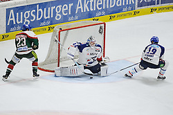 09.01.2015, Curt-Fenzel-Stadion, Augsburg, GER, DEL, Augsburger Panther vs Adler Mannheim, 37. Runde, im Bild Vom Schlittschuh von Danny Richmond (Adler Mannheim) 19 prallt der Puck ins Tor von Dennis Endras (Adler Mannheim) 44, links Louie Caporusso (Augsburger Panther) 23 // during Germans DEL Icehockey League 37th round match between Augsburger Panther and Adler Mannheim at the Curt-Fenzel-Stadion in Augsburg, Germany on 2015/01/09. EXPA Pictures &copy; 2015, PhotoCredit: EXPA/ Eibner-Pressefoto/ Schreyer<br /> <br /> *****ATTENTION - OUT of GER*****