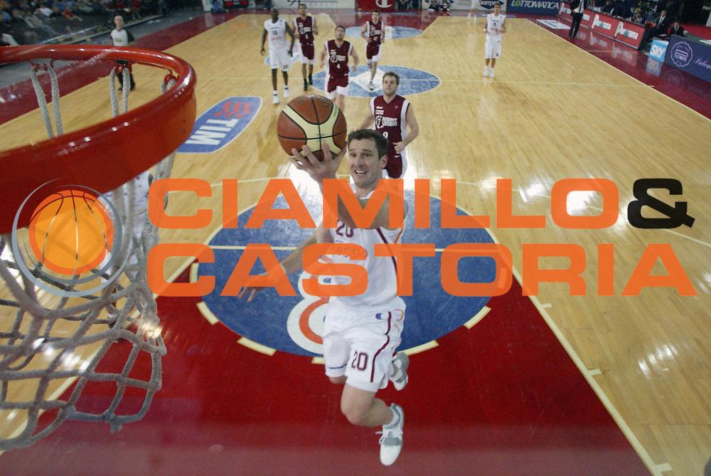 DESCRIZIONE : Roma Lega A1 2005-06 Lottomatica Virtus Roma Basket Livorno <br /> GIOCATORE : Tuesk <br /> SQUADRA : Lottomatica Virtus Roma <br /> EVENTO : Campionato Lega A1 2005-2006 <br /> GARA : Lottomatica Virtus Roma Basket Livorno <br /> DATA : 04/02/2006 <br /> CATEGORIA : Special <br /> SPORT : Pallacanestro <br /> AUTORE : Agenzia Ciamillo-Castoria/G.Ciamillo