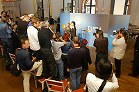 07 AUG 2002, BERLIN/GERMANY:<br /> Sabine Christiansen (blond), ARD TV Moderatorin, und Maybritt Illner (bruenett), ZDF TV Moderatorin, waehrend einem Fototermin zu einer Pressekonferenz von ARD und ZDF zu den bevorstehenden TV Duellen zwischen Kanzler und Unions-Kanzlerkandidat, Museum fuer Kommunikation<br /> IMAGE: 20020807-01-009<br /> KEYWORDS: Fernsehduell, Duell, Wahlkampf, Polit-Talk, Fotograf, Fotografen, Fotojournalisten,