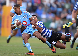 Cape Town-181020 Mannie Libbok  of the Vodacom Blue Bulls challenged by Damien Willemse  of the Western Province  in the Currie Cup Semi-final game at Newlands  .Photographer:Phando Jikelo/African News Agency(ANA)