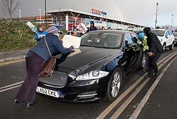 © Licensed to London News Pictures.  23/11/2017; Bristol, UK. Protesters surround a car carrying Jeremy Hunt, Health Secretary, on a visit to Callington Road psychiatric hospital in Bristol. The protest, complete with rainbow, was organised by Protect Our NHS and the Wiltshire and Avon Health Branch of Unison the health trade union. Picture credit: Simon Chapman/LNP