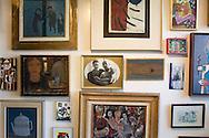 El pintor venezolano, Oswaldo Vigas en su taller. Caracas, 26-06-2006. (ivan gonzalez)