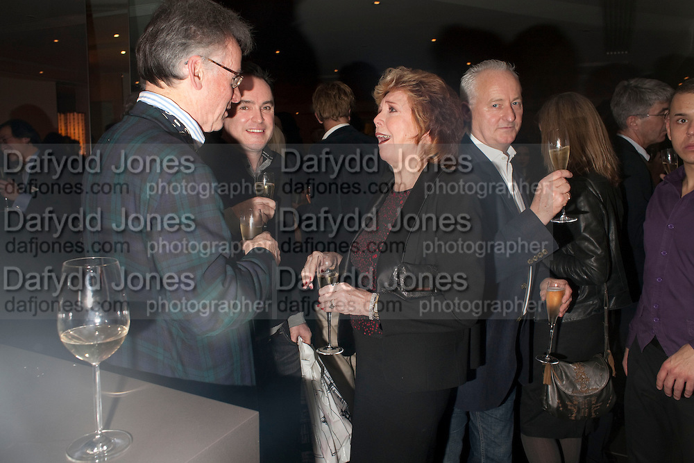 ANDREW BARROW; CILLA BLACK, Launch of Nicky Haslam's book Redeeming Features. Aqua Nueva. 5th floor. 240 Regent St. London W1.  5 November 2009.  *** Local Caption *** -DO NOT ARCHIVE-© Copyright Photograph by Dafydd Jones. 248 Clapham Rd. London SW9 0PZ. Tel 0207 820 0771. www.dafjones.com.<br /> ANDREW BARROW; CILLA BLACK, Launch of Nicky Haslam's book Redeeming Features. Aqua Nueva. 5th floor. 240 Regent St. London W1.  5 November 2009.
