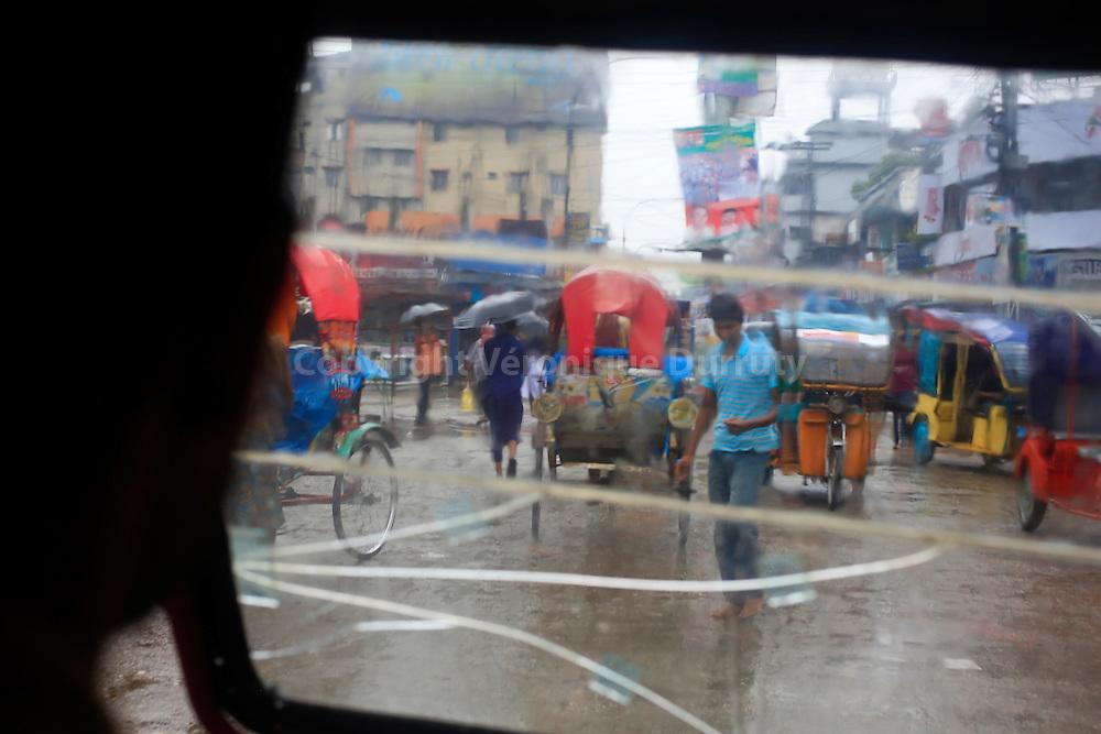 In a rickshaw during monsoon, Dinajpur, Bangladesh  // Dans un rickshaw un jour de mousson, Dinajpur, Bangladesh