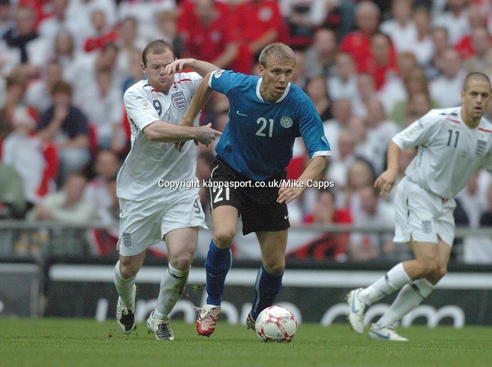 TAAVI RAHN, Estonia, WAYNE ROONEY, England, (England - Estonia, UEFA European Championships 2008, Wembley, 13/10/2007