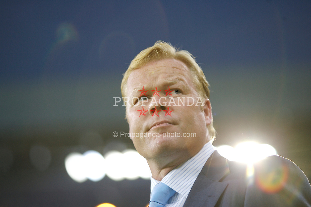 EINDHOVEN, THE NETHERLANDS - TUESDAY, SEPTEMBER 12th , 2006: PSV Eindhoven's head coach Ronald Koemnan during the opening Group C UEFA Champions League match against Liverpool at the Philips Stadium. (Pic by David Rawcliffe/Propaganda)