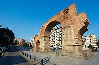 Grèce, Macédoine, Thessalonique, Arche de Galere et eglise de la Rotonda // Greece, Macedonia, Thessaloniki, Roman Emperor Galerius arch and Rotunda church