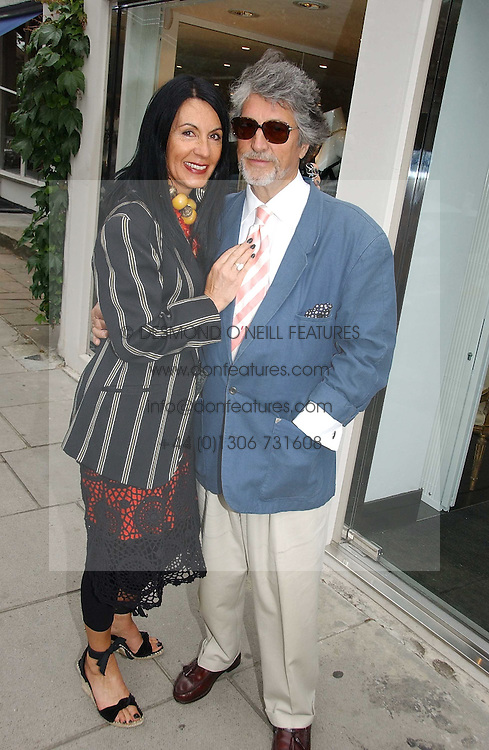 SUE TIMNEY and  JUSTIN DE VILLENEUVE at an exhibition of rock photographer Mick Rock's exclusive 'the One and Only' photographic prints held at Notting Hill's newly opened boutique 'One' 30 Ledbury Street, London W11 on 22nd June 2006.<br />