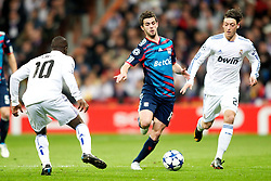 16.03.2011, Stadio Santiago di Bernabeu, Madrid, ESP, UEFA CL, Real Madrid vs Olympique de Lyon, im Bild Olympique de Lyon's Miralem Pjanic against Real Madrid's Mesut zil during Champions League match. March 16, 2011. . EXPA Pictures © 2011, PhotoCredit: EXPA/ Alterphotos/ Alvaro Hernandez +++++ ATTENTION - OUT OF SPAIN / ESP +++++