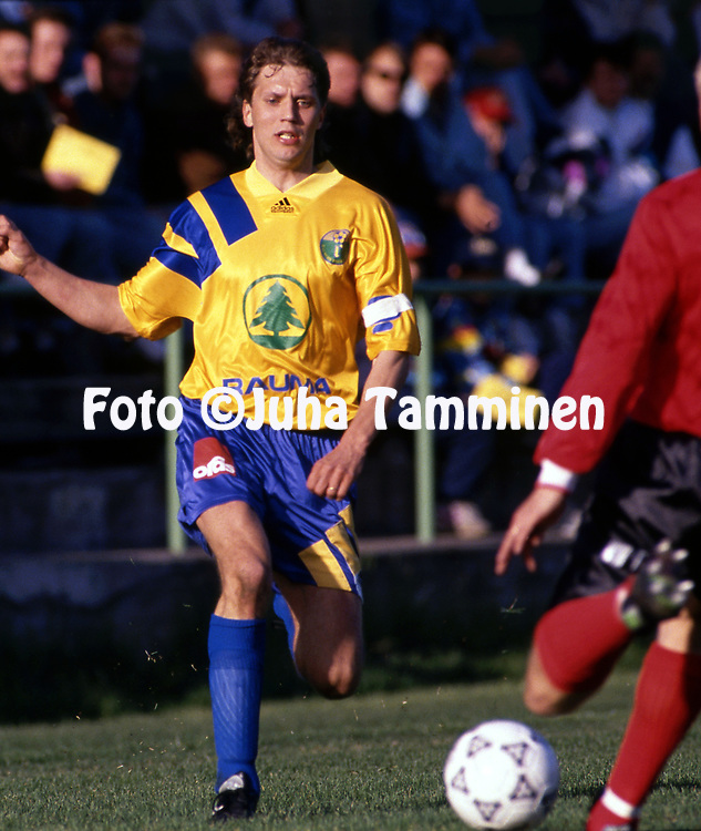 9.5.1993, &Auml;ij&auml;nsuo, Rauma.<br /> Ykk&ouml;nen 1993.<br /> Rauman Pallo-Iirot - Kajaanin Haka<br /> Rami Rintanen - RP-Iirot