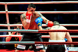 07.04.2018, Erste Bank Arena, Wien, AUT, Bounce Fight Night, Mittelgewicht, Marcos Nader (AUT) vs Darko Knezevic (SRB), im Bild v.l. Marcos Nader (AUT), Darko Knezevic (SRB) // during Middleweight, with the fight betweeb Marcos Nader of Austria vs Darko Knezevic of Serbia of the Bounce Fight Night at the Erste Bank Arena in Wien, Austria on 2018/04/07. EXPA Pictures © 2018, PhotoCredit: EXPA/ Sebastian Pucher