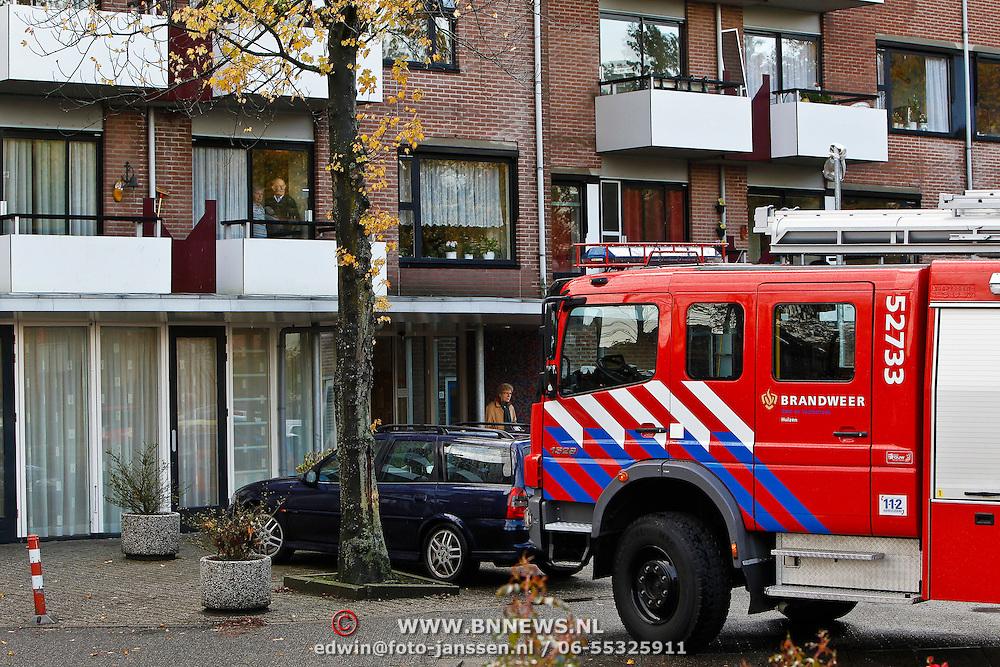 NLD/Huizen/20101021 - Brand bij verzorgingstehuis De Rustmaat Huizen, bleek achteraf erg mee te vallen