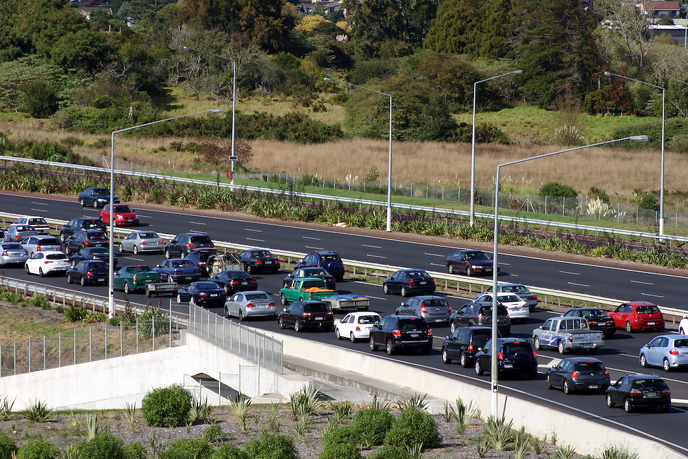 Traffic crawls slowly on the Southern Motorway heading south on Easter Friday, Auckland, New Zealand, Friday, March 29, 2013. Credit:SNPA / Grahame Clark