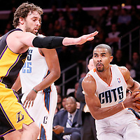 31 January 2014: Charlotte Bobcats point guard Ramon Sessions (7) drives past Los Angeles Lakers center Pau Gasol (16) during the Charlotte Bobcats 110-100 victory over the Los Angeles Lakers at the Staples Center, Los Angeles, California, USA.