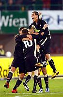 Fotball , 18. november 2009 ,  Østerrike - Spania<br /> Freundschaftsspiel. Bild zeigt den Jubel von Jakob Jantscher, Paul Scharner und Aleksandar Dragovic (AUT). <br /> Norway only