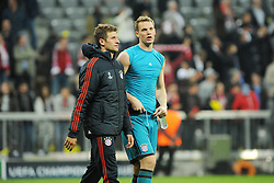 29.04.2014, Allianz Arena, Muenchen, GER, UEFA CL, FC Bayern Muenchen vs Real Madrid, Halbfinale, Ruckspiel, im Bild Thomas Mueller (FC Bayern Muenchen) und Torwart Manuel Neuer (FC Bayern Muenchen) nach Spielende. // during the UEFA Champions League Round of 4, 2nd Leg Match between FC Bayern Munich vs Real Madrid at the Allianz Arena in Muenchen, Germany on 2014/04/30. EXPA Pictures © 2014, PhotoCredit: EXPA/ Eibner-Pressefoto/ Stuetzle<br /> <br /> *****ATTENTION - OUT of GER*****