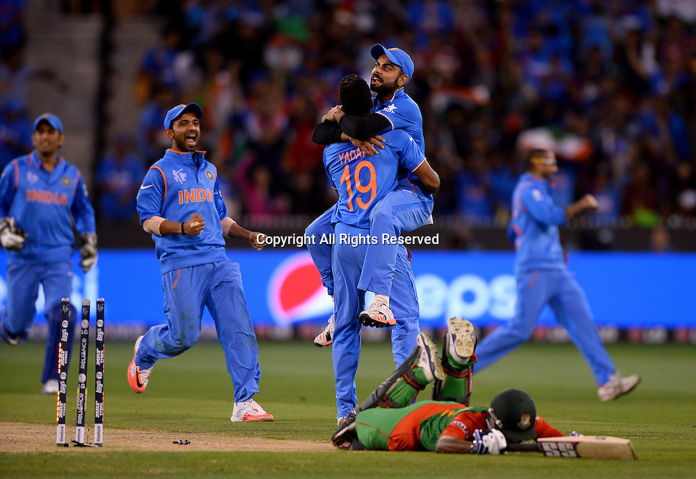 Umesh Yadav (Ind) stumps Imrul Kayes (Bang)<br /> India vs Bangladesh / Qtr Final 2<br /> 2015 ICC Cricket World Cup<br /> MCG / Melbourne Cricket Ground <br /> Melbourne Victoria Australia<br /> Thursday 19 March 2015<br /> &copy; Sport the library / Jeff Crow