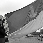 NLD/Huizen/19910506 - Bode gemeente Huizen met Huizer vlag