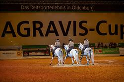 Pas de Trois<br /> Oldenburg - AGRAVIS-Cup 2018<br /> Tanz dreier Hengste<br /> Gala-Abend<br /> 03. November 2018<br /> © www.sportfotos-lafrentz.de/Stefan Lafrentz