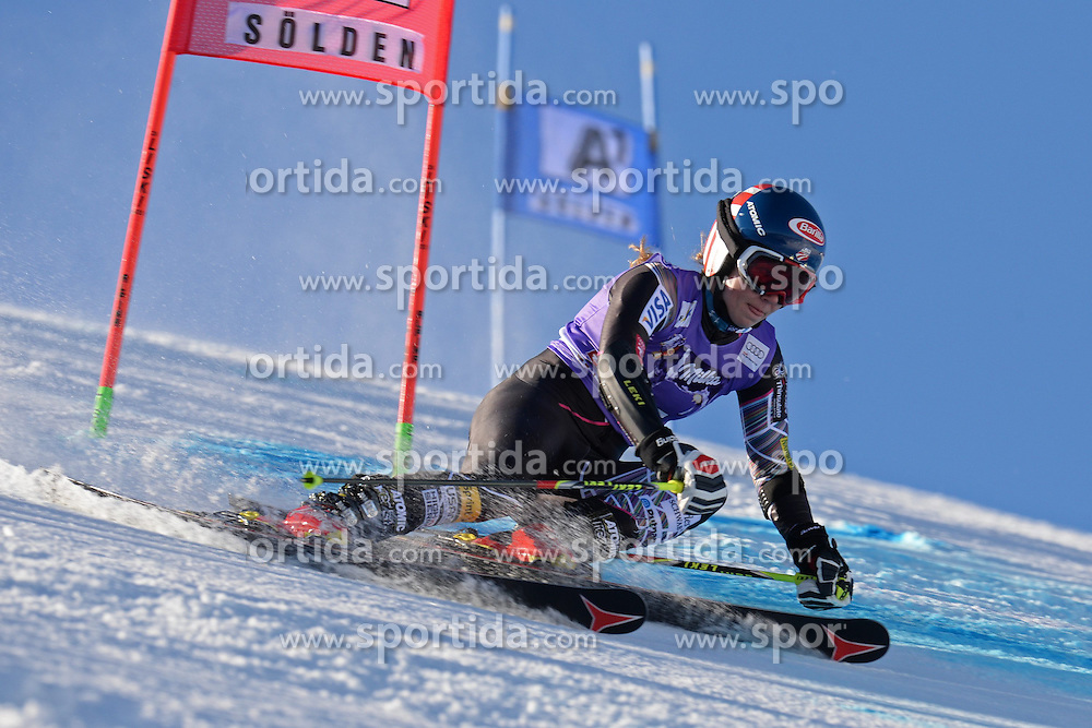 26.10.2013, Rettembach Ferner, Soelden, AUT, FIS Ski Alpin, FIS Weltcup, Ski Alpin, 1. Durchgang, im Bild Mikaela Shiffrin from The USA // Mikaela Shiffrin from The USA during 1st run of ladies Giant Slalom of the FIS Ski Alpine Worldcup opening at the Rettenbachferner in Soelden, Austria on 2012/10/26 Rettembach Ferner in Soelden, Austria on 2013/10/26. EXPA Pictures © 2013, PhotoCredit: EXPA/ Mitchell Gunn<br /> <br /> *****ATTENTION - OUT of GBR*****