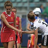 DEN HAAG - Rabobank Hockey World Cup<br /> 30 New Zealand - Netherlands<br /> Foto: Ashleigh Ball (red) and Katharina Otte (white).<br /> COPYRIGHT FRANK UIJLENBROEK FFU PRESS AGENCY