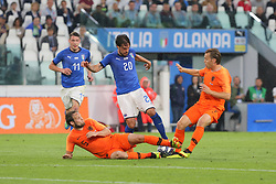 June 4, 2018 - Turin, Piedmont, Italy - Simone Verdi (Italy) compete for the ball with two Dutch players during the friendly football match between Italy and Holland at Allianz Stadium on June 04, 2018 in Turin, Italy. Final result: 1-1  (Credit Image: © Massimiliano Ferraro/NurPhoto via ZUMA Press)