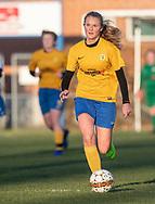 FODBOLD: Clara Walsøe (Ølstykke FC) under kampen i Sjællandsserien mellem Ølstykke FC og Herlufsholm GF den 9. april 2019 på Ølstykke Stadion. Foto: Claus Birch