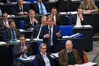 DEU, Deutschland, Germany, Berlin, 13.12.2017: Bernd Baumann, Parlamentarischer Geschäftsführer der Bundestagsfraktion der AfD (Alternative für Deutschland), während einer Plenarsitzung im Deutschen Bundestag.