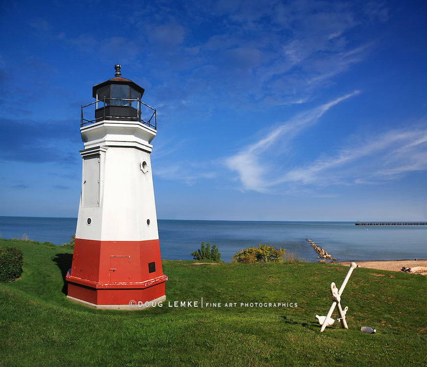 A Very Cute And Very Small Lighthouse, The Vermilion Light On A Gorgeous Day At Vermilion Ohio On Lake Erie, USA