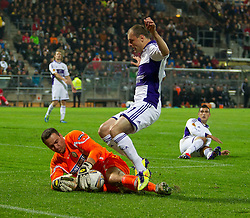 20.10.2011, UPC Arena, Graz, AUT, UEFA Europa League, Sturm Graz (AUT) vs RSC Anderlecht (BEL), im Bild Silvije Cavlina (SK Sturm Graz, #22, Goalkeeper) klaert vor Milan Jovanovic (RSC Anderlecht, Offense, #11) // during UEFA Europa League football game between Sturm Graz (AUT) and RSC Anderlecht (BEL) at UPC Arena in Graz, Austria on 20/10/2011. EXPA Pictures © 2011, PhotoCredit: EXPA/ E. Scheriau