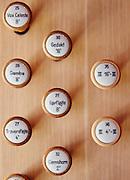 orgelrestaurering i Islev Kirke i Rødovre, orgel, orgelknapper,