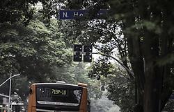 August 18, 2017 - Semáforo apagado é visto em meio ao trânsito na esquina da Av. Angélica com a Rua Novo Horizonte, região central. Na manhã desta sexta-feira  (Credit Image: © Bruno Rocha/Fotoarena via ZUMA Press)