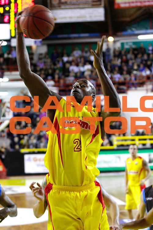 DESCRIZIONE : Barcellona Pozzo di Gotto Campionato Lega Basket A2 2012-13 Sigma Basket Barcellona Upea Orlandina Capo dOrlando <br /> GIOCATORE : Melvin Sanders<br /> SQUADRA : Sigma Basket Barcellona <br /> EVENTO : Campionato Lega Basket A2 2012-2013<br /> GARA : Sigma Basket Barcellona Upea Orlandina Capo dOrlando<br /> DATA : 28/12/2012<br /> CATEGORIA : Ritratto Delusione<br /> SPORT : Pallacanestro <br /> AUTORE : Agenzia Ciamillo-Castoria/G.Pappalardo<br /> Galleria : Lega Basket A2 2012-2013 <br /> Fotonotizia : Barcellona Pozzo di Gotto Campionato Lega Basket A2 2012-13 Sigma Basket Barcellona Upea Orlandina Capo dOrlando<br /> Predefinita :