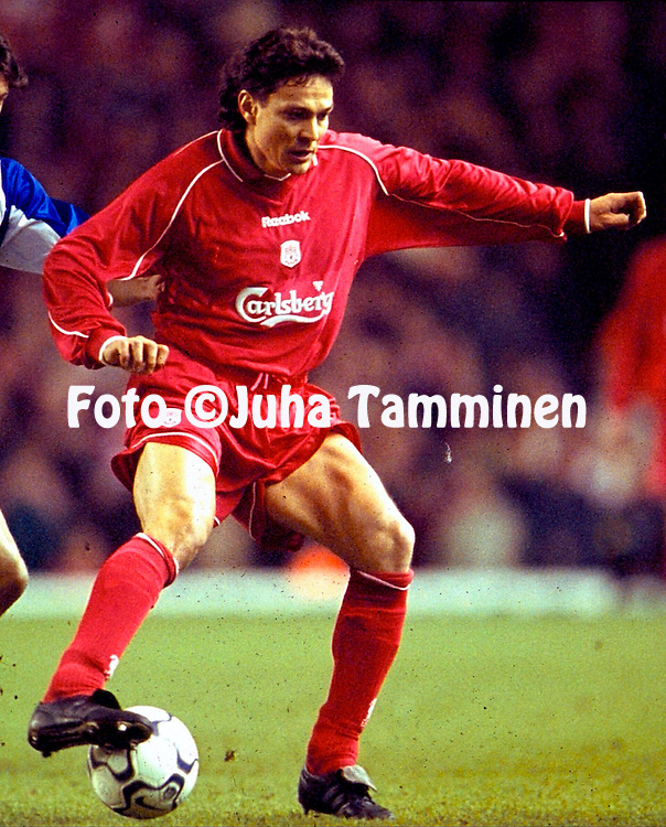 15.3.2001, Anfield Road, Liverpool, England. <br /> UEFA Cup, Quarter Final, 2nd leg match, Liverpool FC v FC Porto. <br /> Jari Litmanen - Liverpool