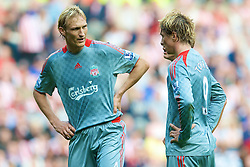 SUNDERLAND, ENGLAND - Saturday, August 16, 2008: Liverpool's Sami Hyypia and Fernando Torres against Sunderland during the opening Premiership match of the season at the Stadium of Light. (Photo by David Rawcliffe/Propaganda)