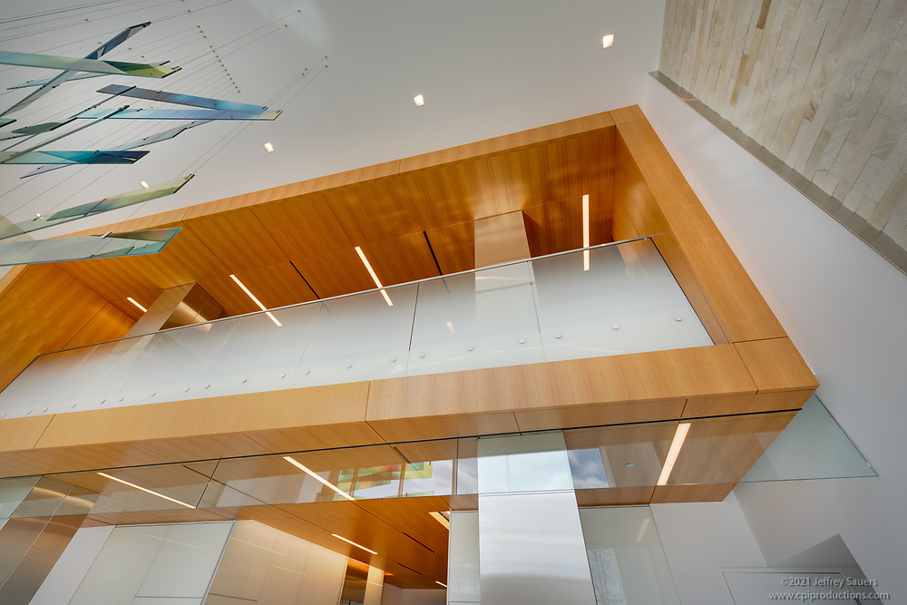 Office building interior image of 12120 Sunset Hills Rd by Jeffrey Sauers of Commercial Photographics, Architectural Photo Artistry in Washington DC, Virginia to Florida and PA to New England