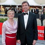 NLD/Utrecht/20110930 - NFF 2011 - Inloop Gouden Kalveren 2011, Aleid Wolfsen en partner
