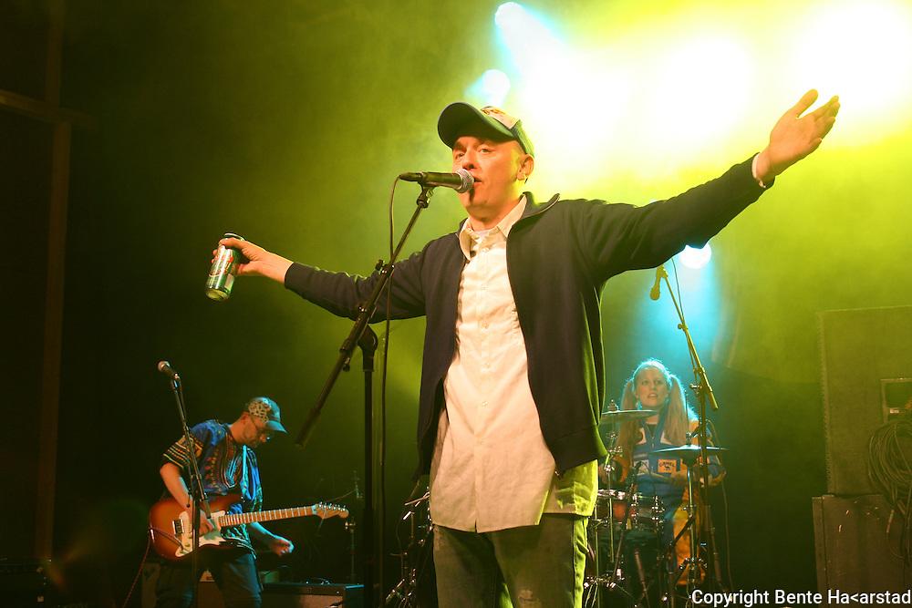 Hærmætti Tysland band slo gopdt an på Tydalsfestival'n. Med Frode Sander Øien i tet. Foto: Bente Haarstad