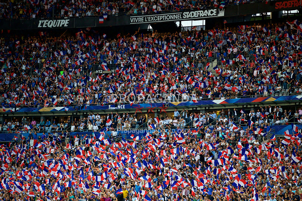 PARIS, FRANCE - Tuesday, June 13, 2017: France supporters during an international friendly match against England at the Stade de France. (Pic by David Rawcliffe/Propaganda)