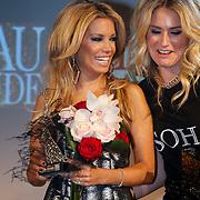 NLD/Amsterdam/20121112 - Beau Monde Awards 2012, Sylvie van der Vaart en Nikkie Plessen