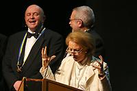 Mannheim. 11.02.18  <br /> Nationaltheater. Gro&szlig;e b&uuml;rgerschaftliche Auszeichnung &quot;Das Bloomaul&quot; an Rolf G&ouml;tz.<br /> Das Auswahlkomitee, darunter Bert Siegelmann, Achim Weizel und Marcus Haas, entschied sich f&uuml;r Rolf G&ouml;tz. Helen Heberer h&auml;lt die Laudatio.<br /> Bild-ID 084   Markus Pro&szlig;witz 11FEB18 / masterpress
