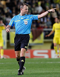 17.03.2011, El Madrigal, Villarreal, ESP, UEFA EL, FC Villarreal vs Bayer 04 Leverkusen, im Bild The referee Bjorn Kuipers during UEFA Europa League match.March 17,2011. . EXPA Pictures © 2011, PhotoCredit: EXPA/ Alterphotos/ Acero +++++ ATTENTION - OUT OF SPAIN / ESP +++++