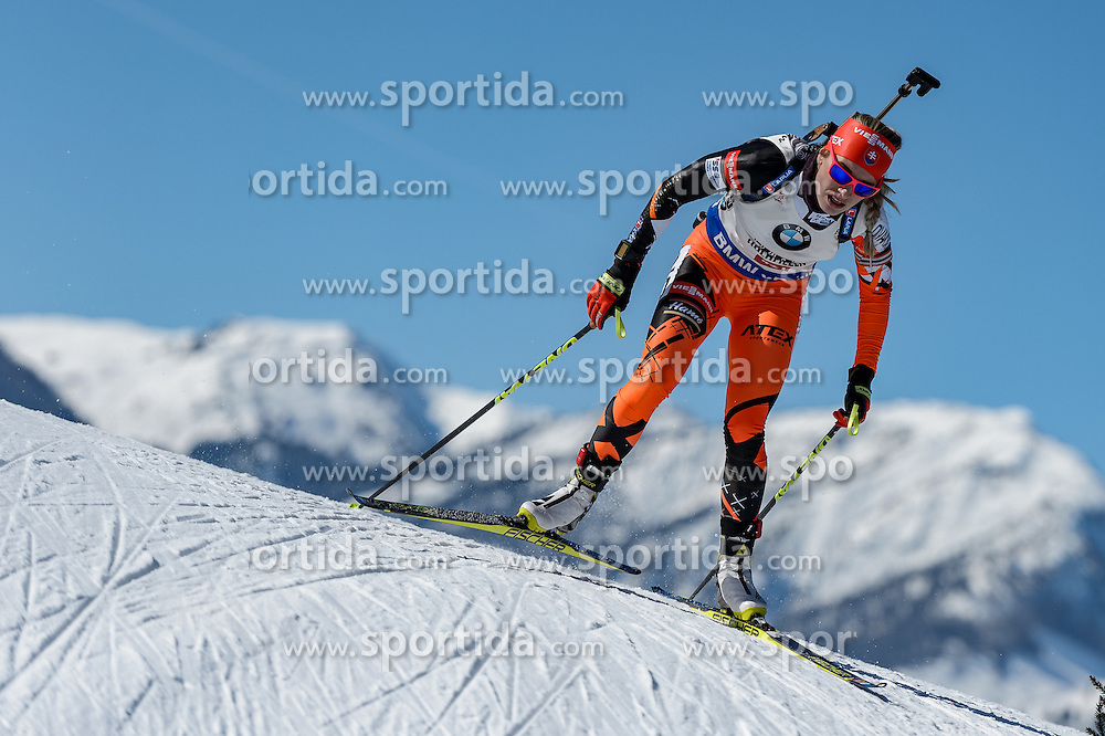19.02.2017, Biathlonarena, Hochfilzen, AUT, IBU Weltmeisterschaften Biathlon, Hochfilzen 2017, Massenstart Damen, im Bild Paulina Fialkova (SVK) // Paulina Fialkova of Slovakia during Womens Masstart of the IBU Biathlon World Championships at the Biathlonarena in Hochfilzen, Austria on 2017/02/19. EXPA Pictures © 2017, PhotoCredit: EXPA/ Stefan Adelsberger
