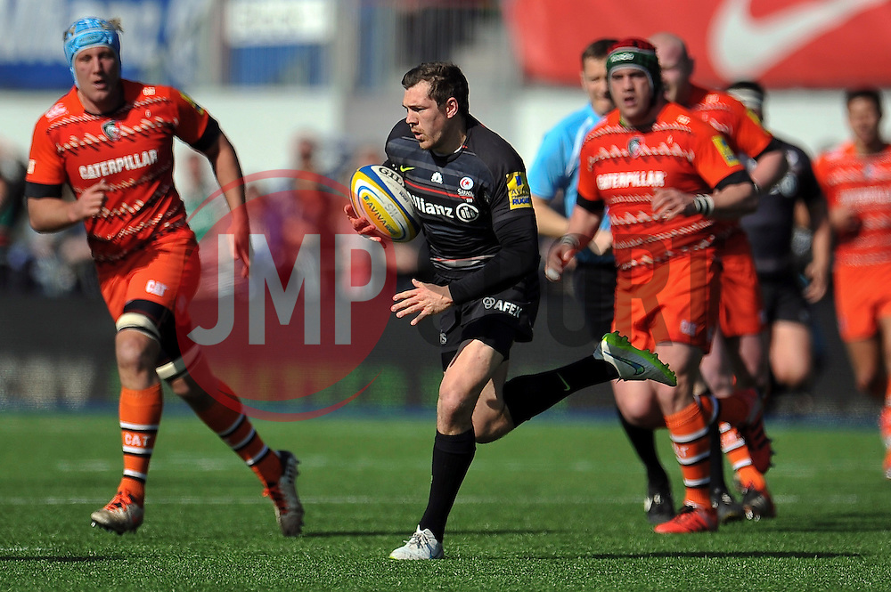 Alex Goode of Saracens goes on the attack - Photo mandatory by-line: Patrick Khachfe/JMP - Mobile: 07966 386802 11/04/2015 - SPORT - RUGBY UNION - London - Allianz Park - Saracens v Leicester Tigers - Aviva Premiership