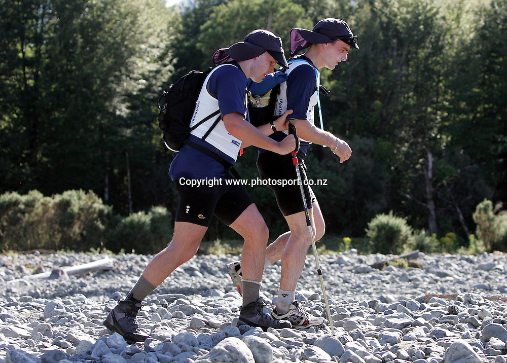 Blind competitor Mark Pollock (back) from Ireland with guide James O'Callaghan start the mountain run during the Speight's Coast to Coast Endurance Race from Kumara through to Sumner, Christchurch on Friday 4th February, 2005.<br />